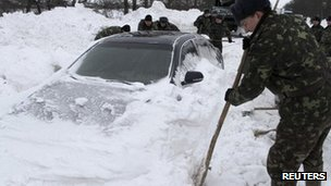 Dozens die in Ukraine cold snap