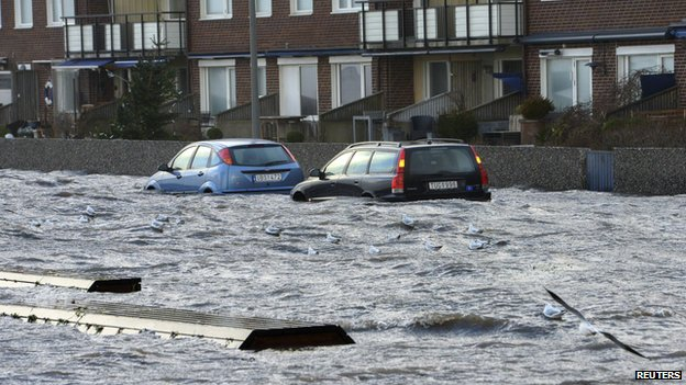 Deadly storm lashes northern Europe