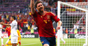 Spain cruise past limp French