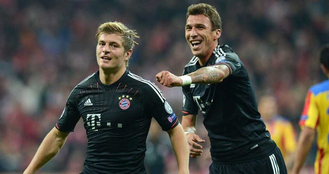 Bayern off to winning start