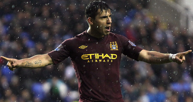 Aguero signs new City contract