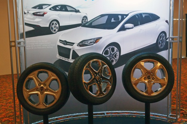 SAE Congress: Evolve Hybrid Wheels give Ford Focus SE a 1.1 mpg boost